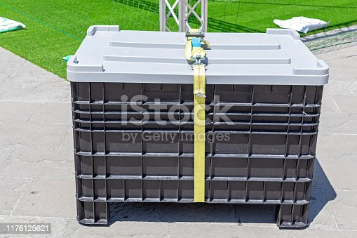 Cargo Pallet Box With Strap Shipping Crate