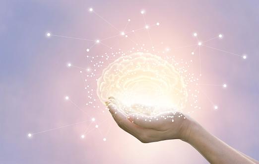 Palma De Contener Y Proteger El Cerebro Virtual Sobre Fondo Pastel Tecnología Innovadora En La Ciencia Y Concepto Médico Foto de stock y más banco de imágenes de Afección médica