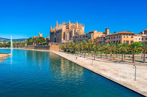 Palma de Majorque, vue de la cathédrale de La Seu et Parc de la Mar - Photo