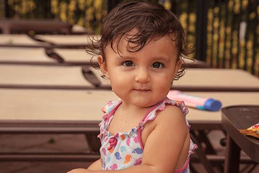Abrigo bebé niña, franela chispeada con bufanda. M/NEREA. 1+IN THE FAMILY
