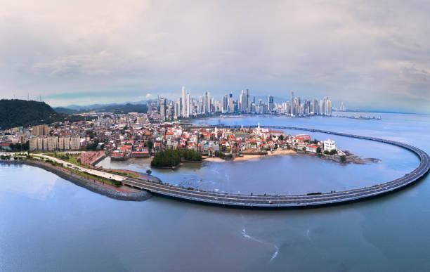 Panama-Stadt-Panorama mit alten und neuen Städten und Altstadtumgehung – Foto
