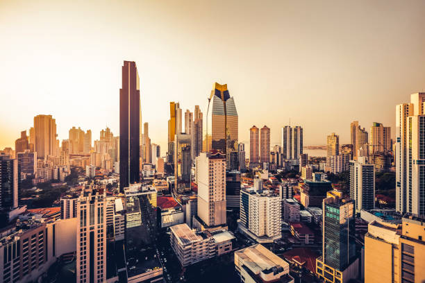 Skyline der Stadt bei Sonnenuntergang, Panama – Foto