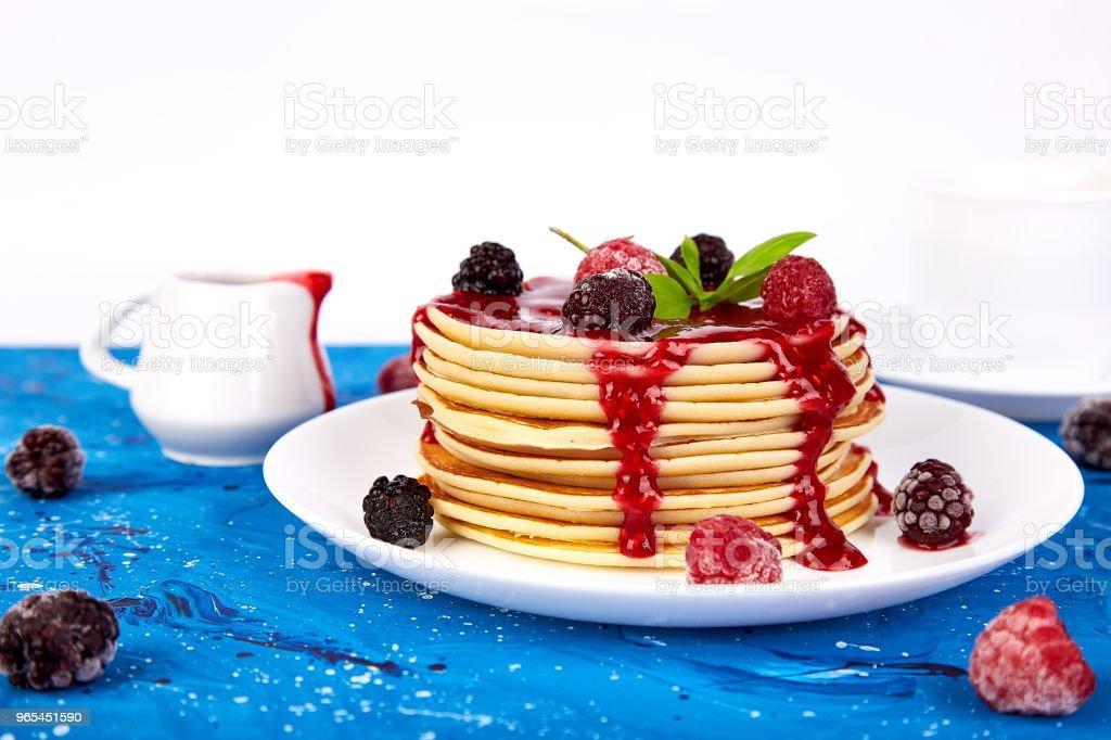 Naleśnik na śniadanie - Zbiór zdjęć royalty-free (Bez ludzi)