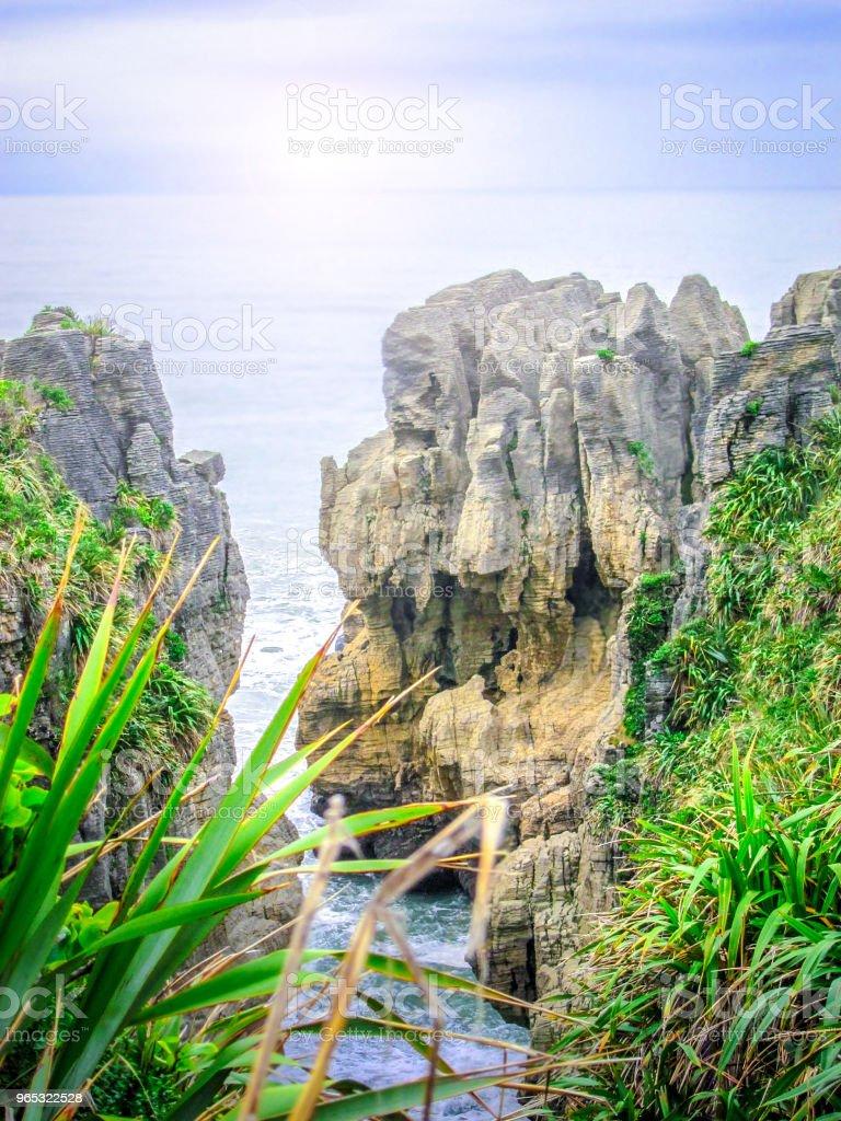 La crêpe de roches dans le Parc National de Paparoa, Île du Sud, Nouvelle-Zélande - Photo de Beauté libre de droits