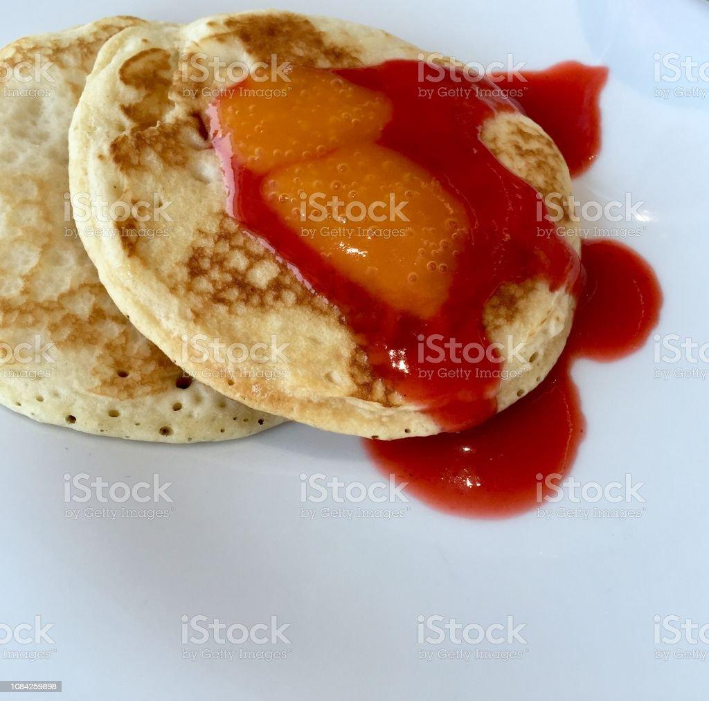 Pfannkuchen mit Marmelade – Foto