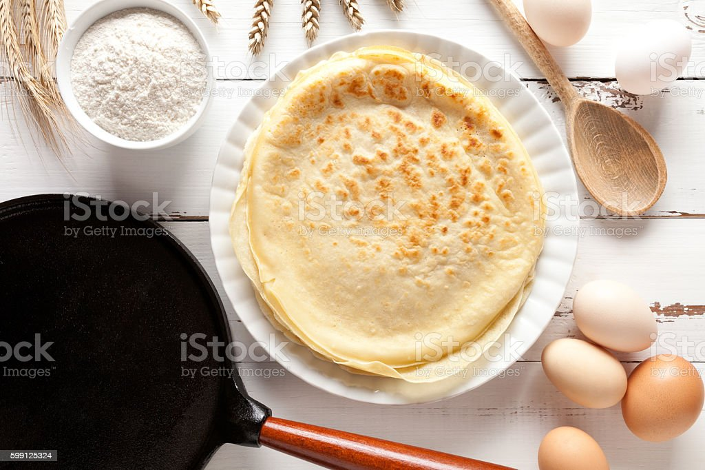 Pancakes cooking on white table – Foto