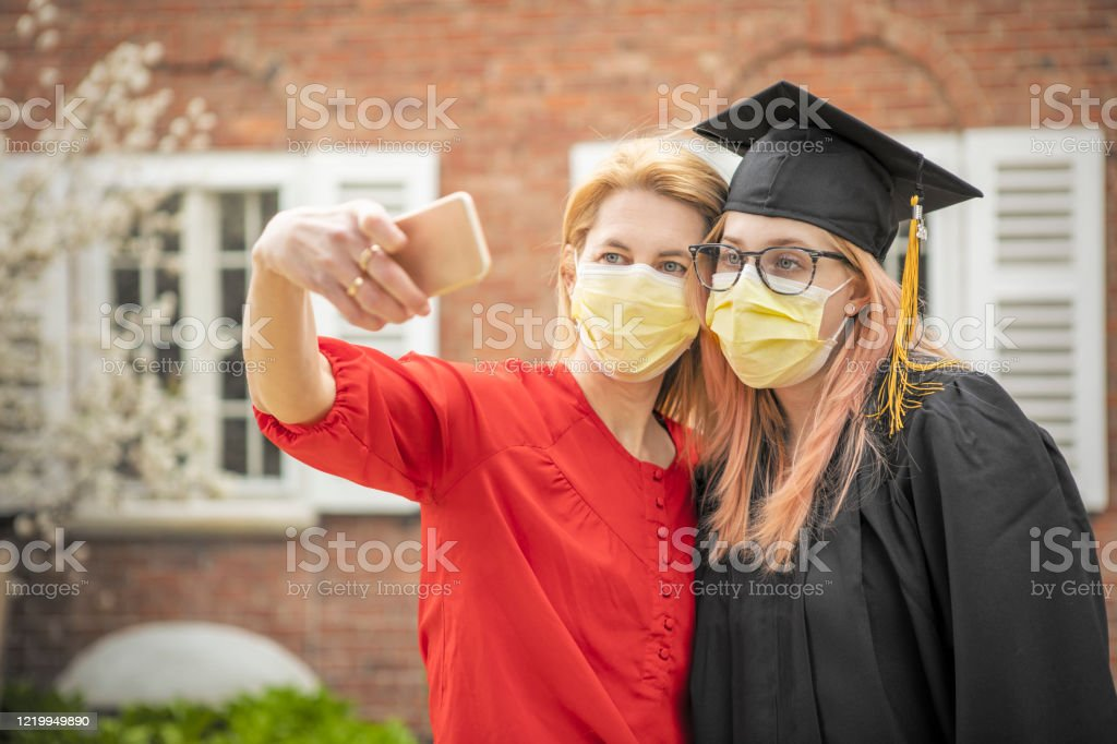 Pandemic Grad Mother and Daughter Selfie - Royalty-free 18-19 Years Stock Photo