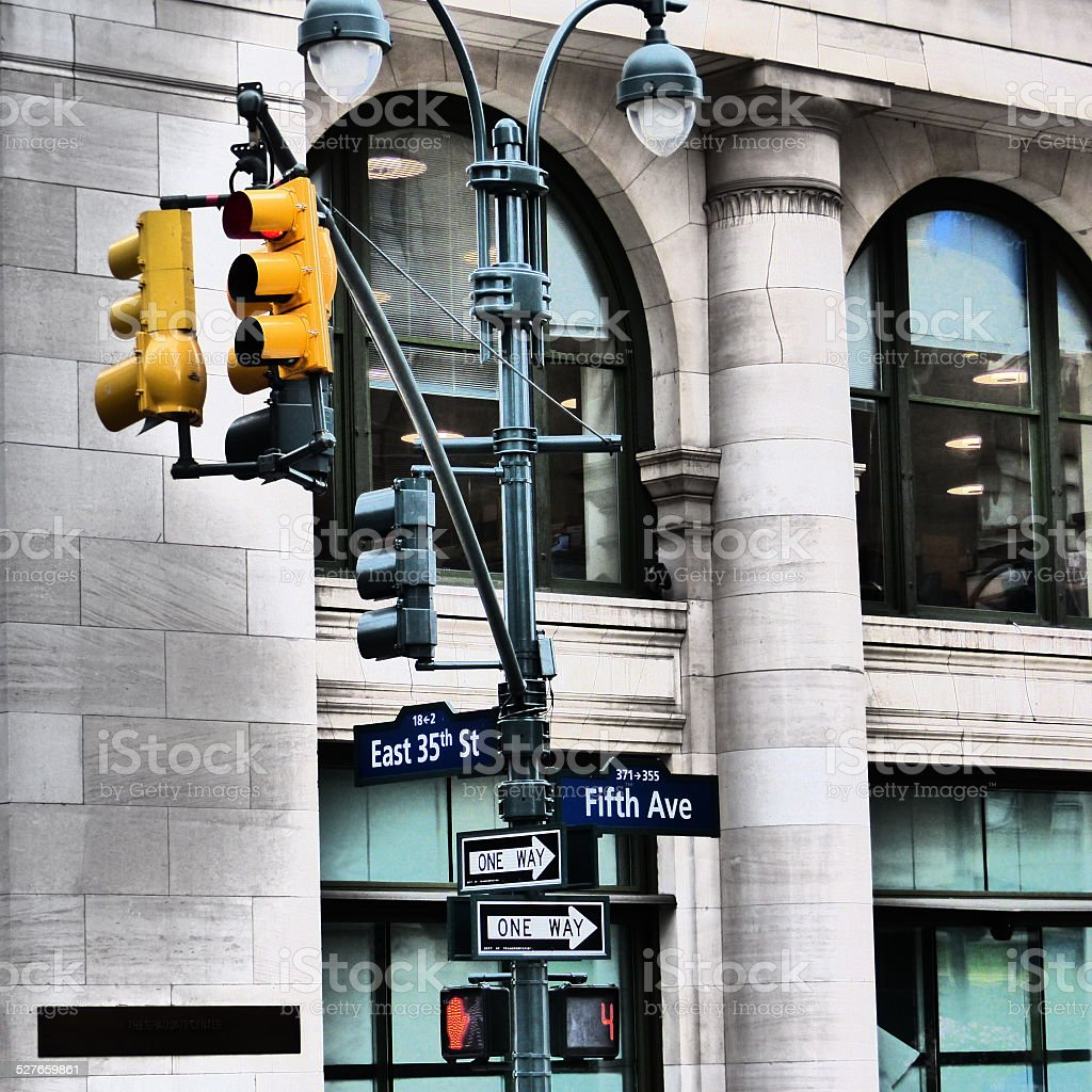 Panneau directionnel à Manhattan stock photo