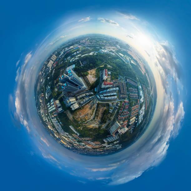 Vue de sphère panoramique 360 degrés du paysage urbain - Photo