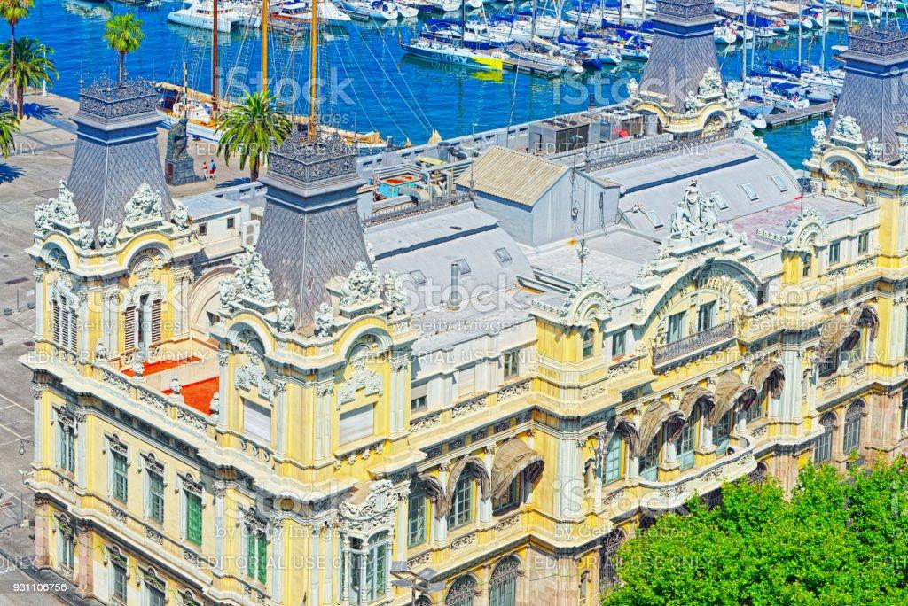 Panorama Barcelona. Port Authority - Amiral Historic Authority (Edificio Portal de la Pau - Port de Barcelona). İspanya. - Royalty-free Amiral Stok görsel