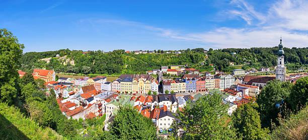 panorama-burghausen - burghausen stock-fotos und bilder