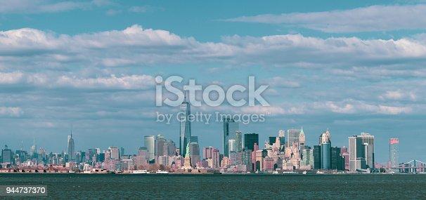 910867946 istock photo Panorama Downtown Manhattan Jersey City to New York 944737370