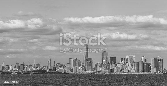 910867946 istock photo Panorama Downtown Manhattan Jersey City to New York 944737392