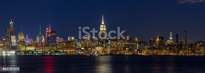 910867946 istock photo Panorama Downtown Manhattan Jersey City to New York 944737474
