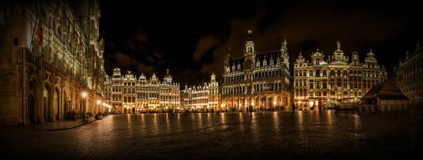 Panorama die grand Place in Brüssel – Foto