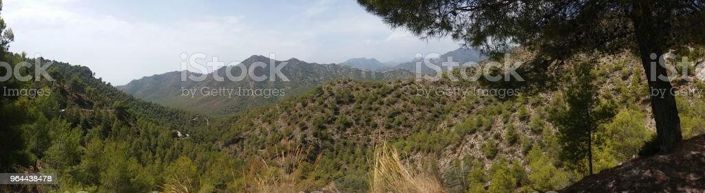 Panorama em südspanischen den Bergen - Foto de stock de 2015 royalty-free