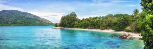 Panorama des asiatischen Paradiesstrandes in Thailand – Foto