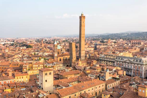 panorama of bologna, italy - bolonia zdjęcia i obrazy z banku zdjęć