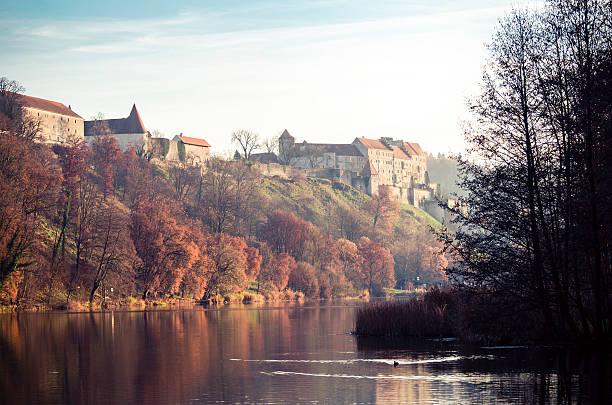 panorama von burghausen - burghausen stock-fotos und bilder