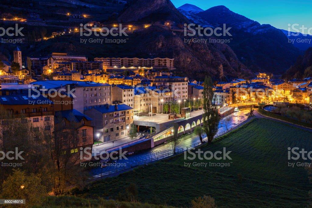 Panorama de Canillo à noite - foto de acervo