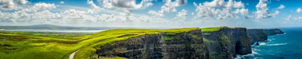 Panorama der Cliffs of Moher in Irland – Foto