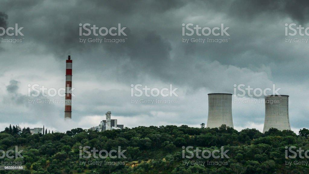 Panorama De Enfriamiento Torres De Plantas De Energía