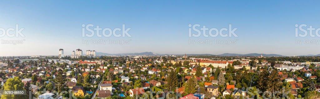 Panorama von Liesing mit der Wohnanlagen Alt Erlaa in Wien – Foto