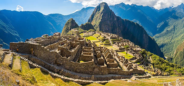 パノラマに広がる街の神秘的なマチュピチュ、南アメリカ、ペルー共和国 - 南アメリカ ストックフォトと画像