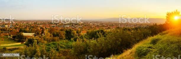 Panorama Van Paracin Stockfoto en meer beelden van Achtergrond - Thema
