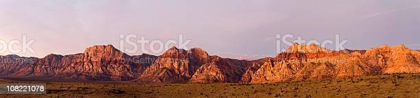 Panorama Of Red Rocks Canyon Landscape Stockfoto en meer beelden van Afgelegen
