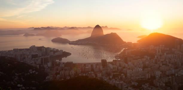 Panorama der Stadt Rio de Janeiro und des Zuckerhuts, Brasilien – Foto