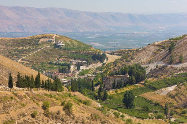 panorama of the bekaa valley landscape with the niha temples and vineyard hills, lebanon. - lebanon zdjęcia i obrazy z banku zdjęć