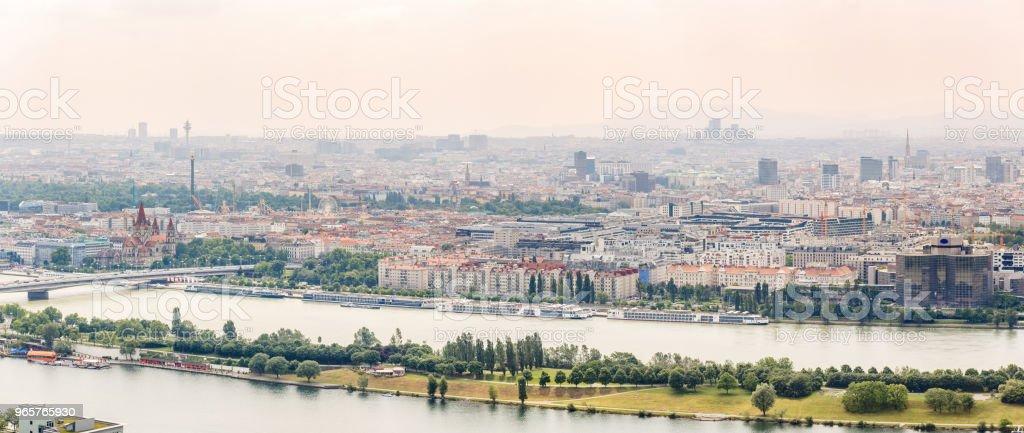 Panorama van de Donau in Wenen, Oostenrijk - Royalty-free Achtergrond - Thema Stockfoto