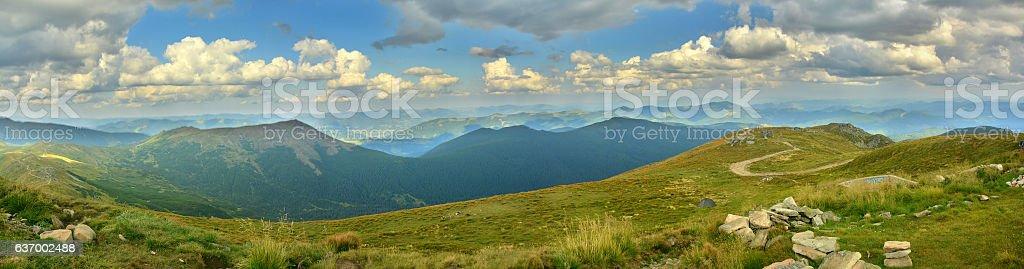 Панорама на горы  стоковое фото