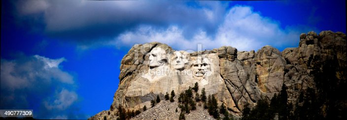 1195382882istockphoto Panorama of the presidents at Mount Rushmore in South Dakota 490777309