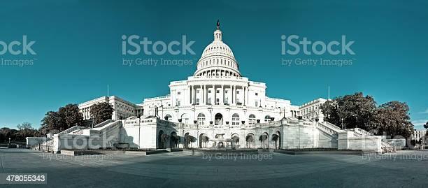 Panorama of the united states capitol building washington dc picture id478055343?b=1&k=6&m=478055343&s=612x612&h=eiosljy5xjradvftiug0zy1dzg2b rjoddh6vwn3vwe=
