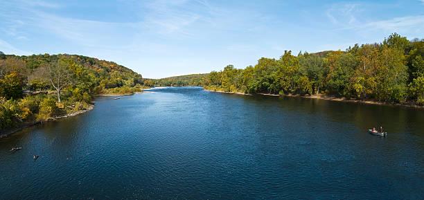 panorama de la rivière delaware - rivière delaware photos et images de collection