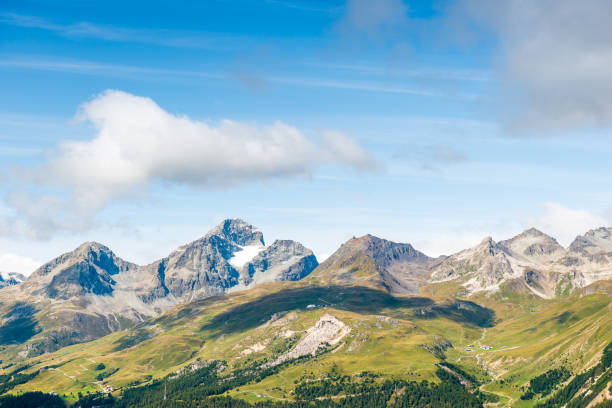 Panorama der Gipfel des Piz Nair in der Nähe von St. Moritz. – Foto