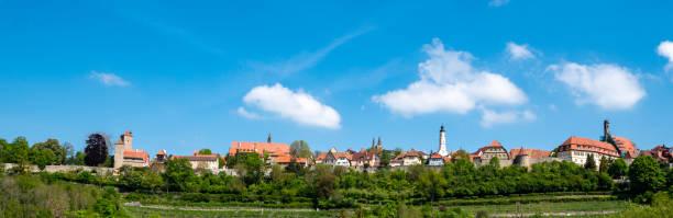 panorama skyline rothenburg ob der tauber beieren duitsland - taubertal stockfoto's en -beelden