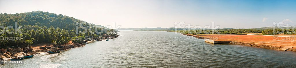 Panorama view of the river from the bridge, India, Goa photo libre de droits