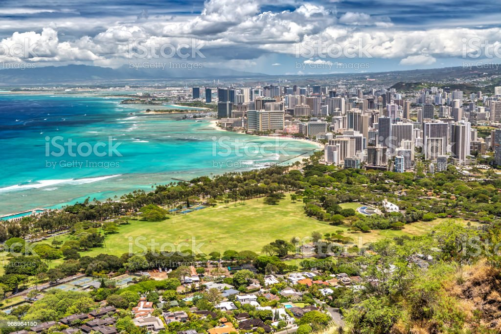 panorama-view-over-honolulu-from-diamond