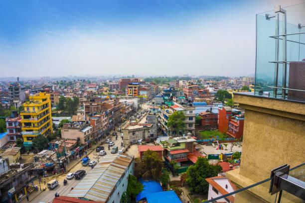 panoramablick über die stadt kathmandu - demographie deutschland stock-fotos und bilder