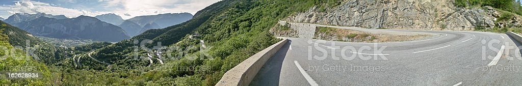 panorama with street to Alpe D'Huez Ecrins foto