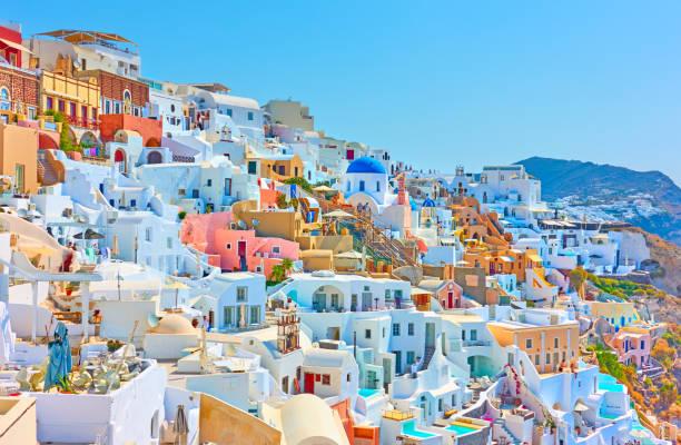 panoramia of oia town in santorini - grecja zdjęcia i obrazy z banku zdjęć