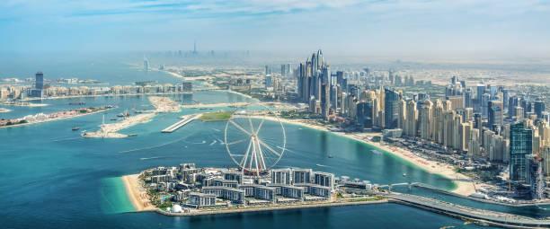 Panoramische Luftaufnahme der Skyline von Dubai Marina mit Dubai Eye Riesenrad, Vereinigte Arabische Emirate – Foto