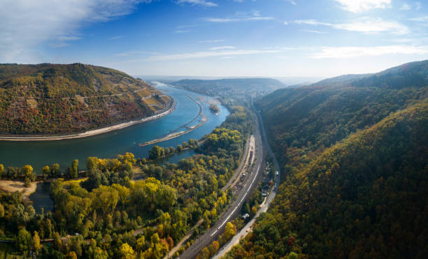 aerial panoramablick über fluss rhein, deutschland - rhein stock-fotos und bilder