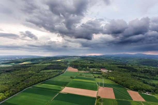 panorama luftbild rhein-main-gebiet - wettervorhersage deutschland stock-fotos und bilder