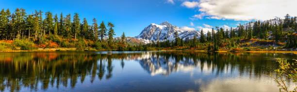 Imagem panorâmica de Mt.Shuksan, WA - foto de acervo