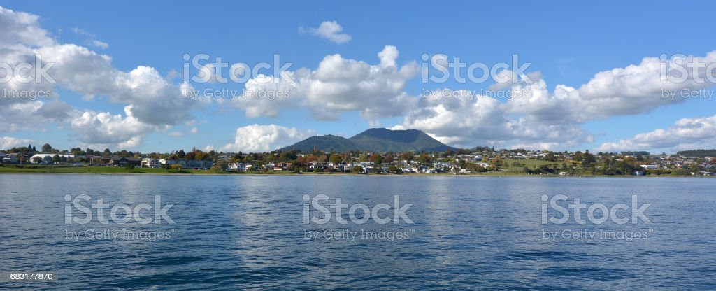 Panoramic landscape view of Taupo town royalty-free 스톡 사진