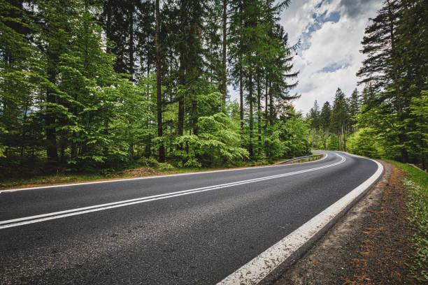 carretera panorámica de montaña (hdri) - vía fotografías e imágenes de stock